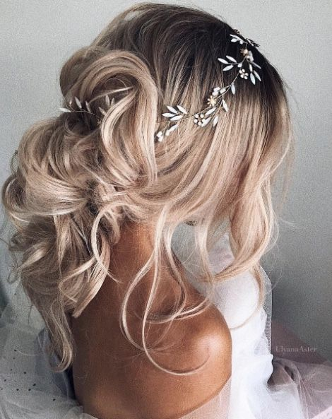 Featured Hairstyle: Courtesy of Ulyana Aster; wedding hair styles idea; www.ulya...