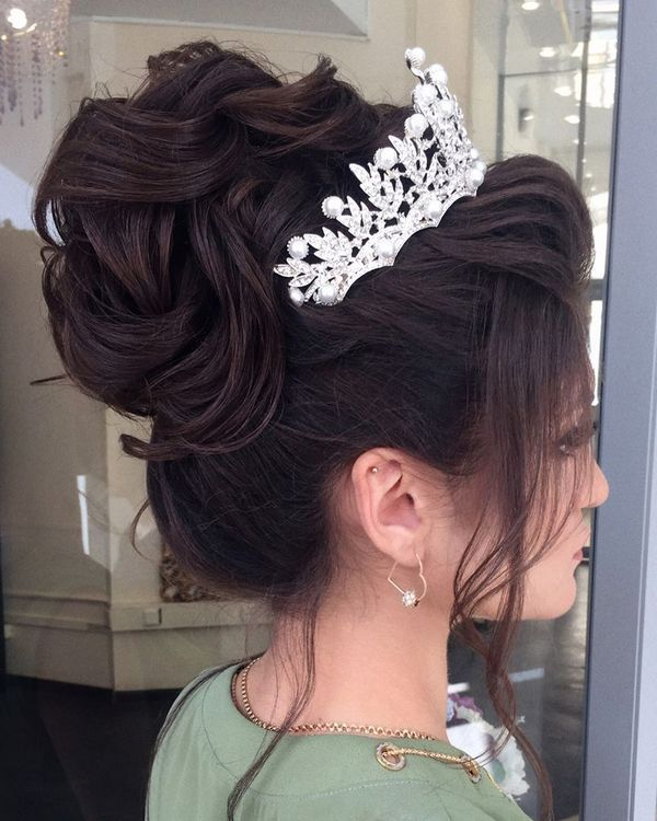 Long wedding updos and hairstyles from Elstile  #weddinghairstyle #weddingup #br...