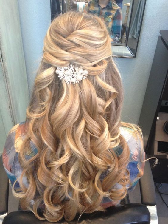 half up half down long wavy hairstyle for wedding - Deer Pearl Flowers / www.dee...