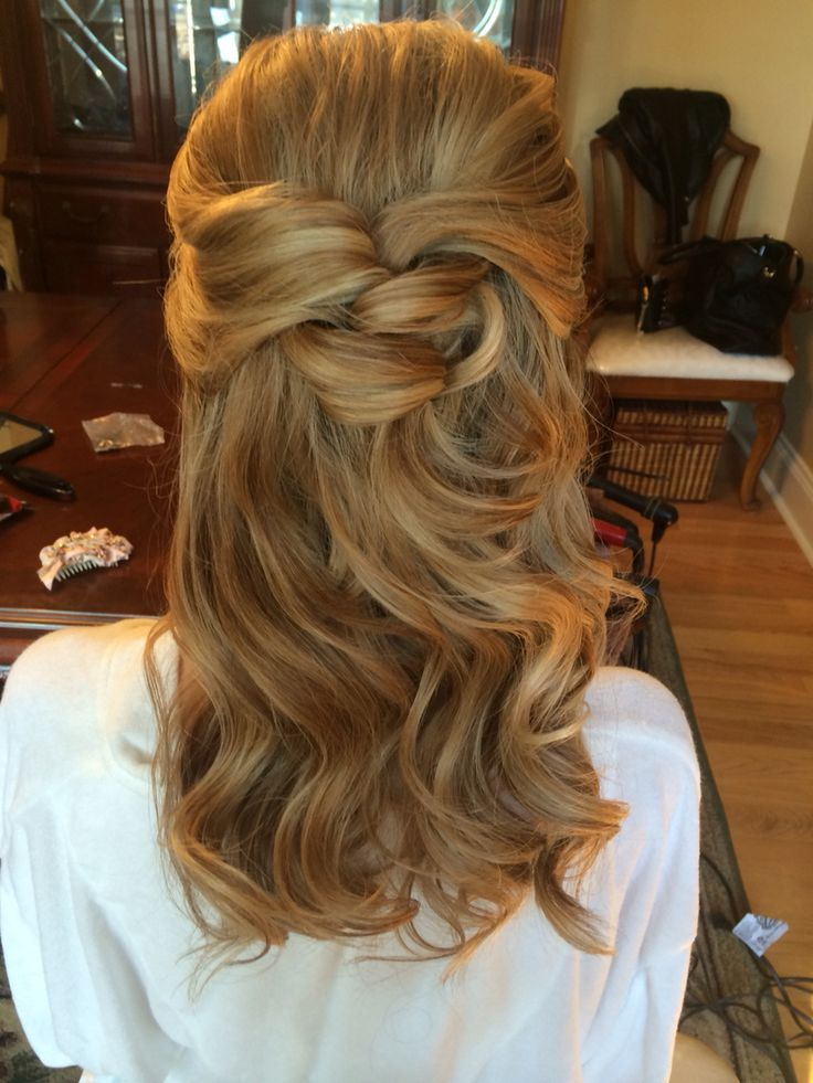 Simple, pretty half upstyle Freelance bridal hairstylist servicing Charlotte, NC...