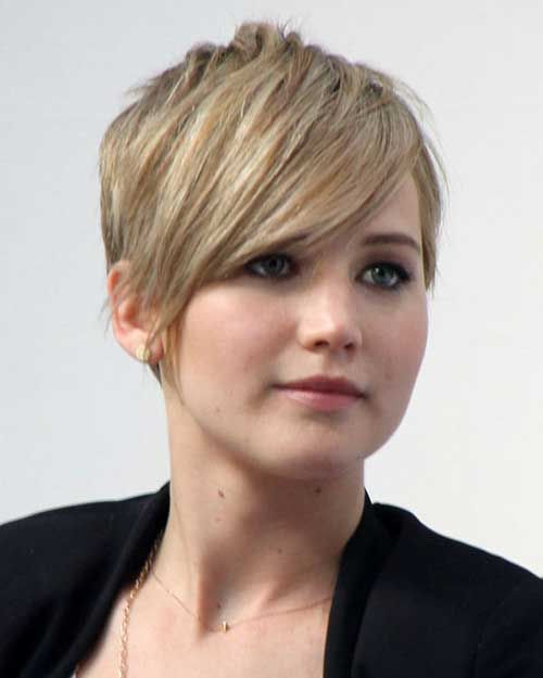 6.Celebs with Pixie Cuts