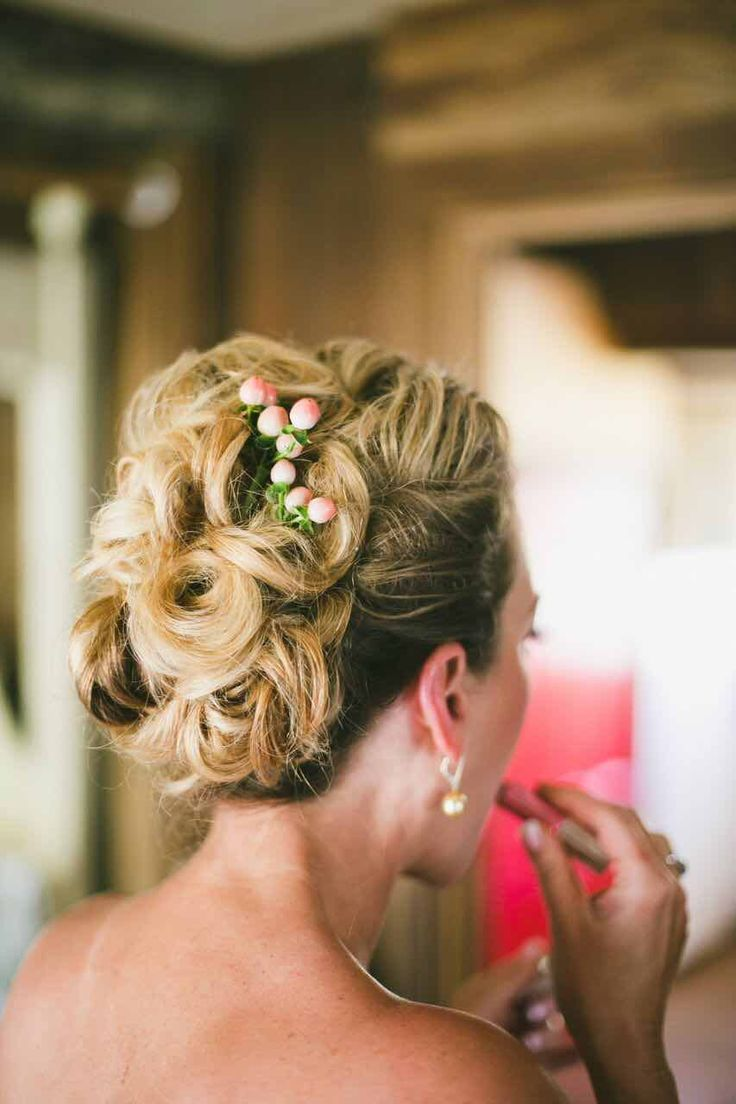 Featured Photographer: onelove photography; wedding hairstyle idea
