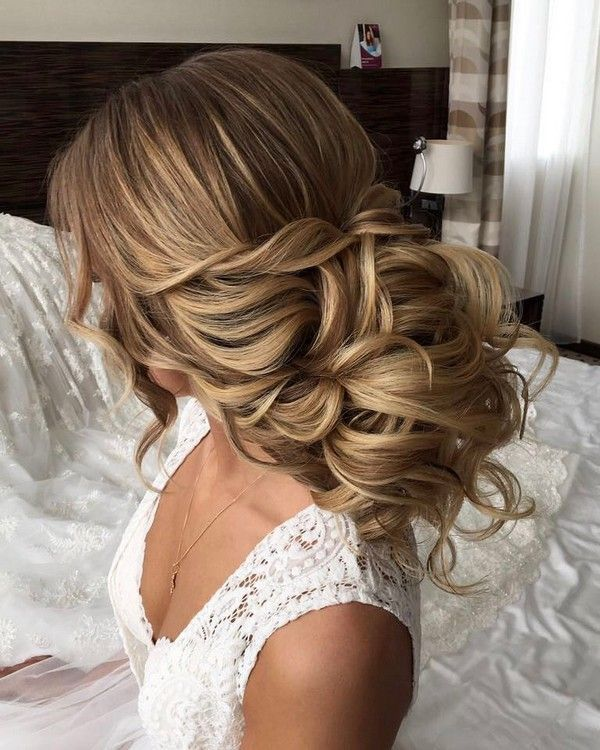 Long wedding updos and hairstyles from Elstile / www.deerpearlflow...