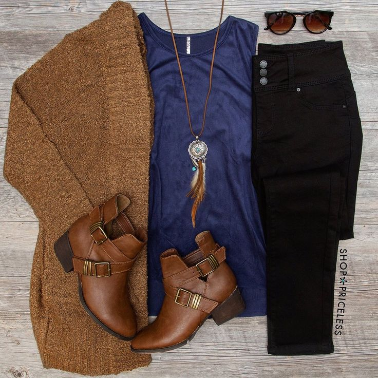 Love these colors and the long necklace paired with a lean top and cardigan. Thi...