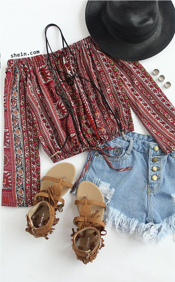 Off the shoulder tops and frayed denim shorts make for the perfect festival outf...