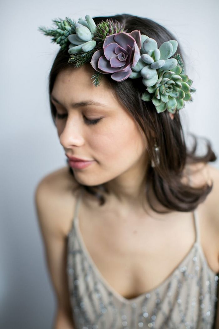 10 Beautiful Silk Florals for Your Hair