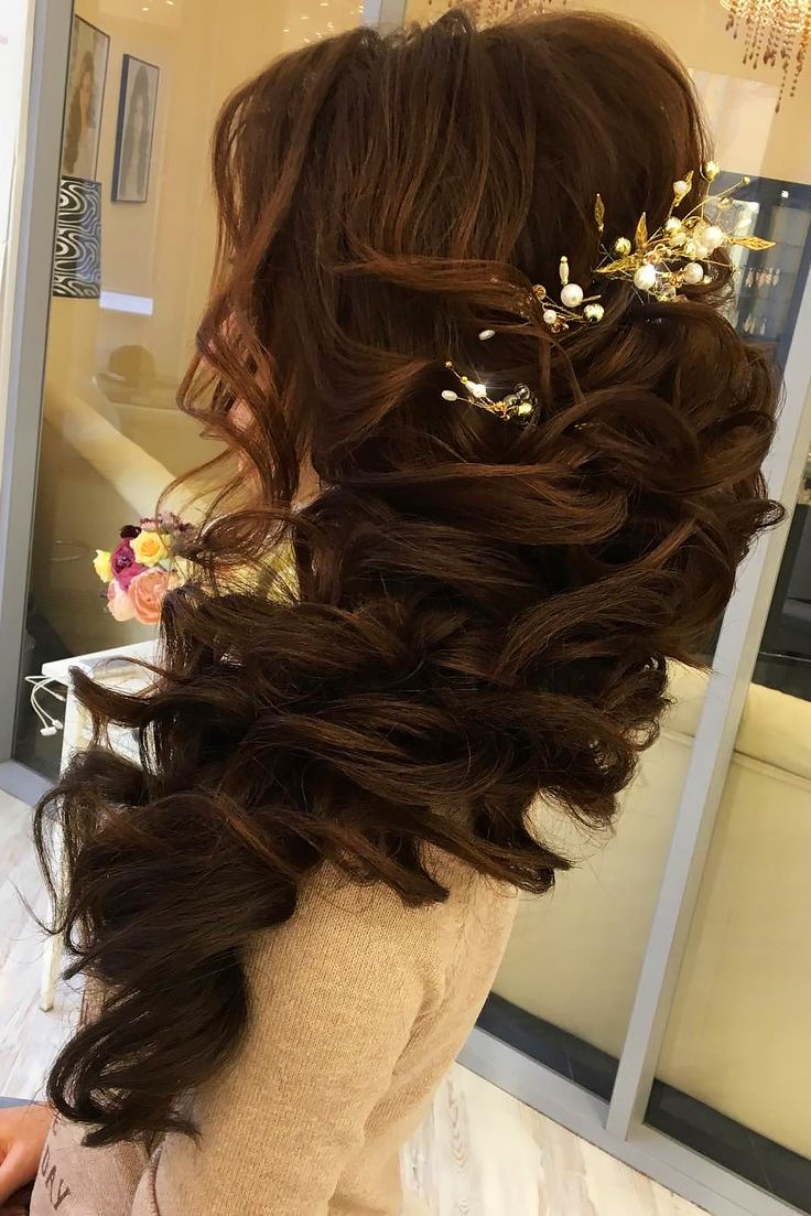 18 Creative & Unique Wedding Hairstyles ❤ See more: www.weddingforwar... #wedd...