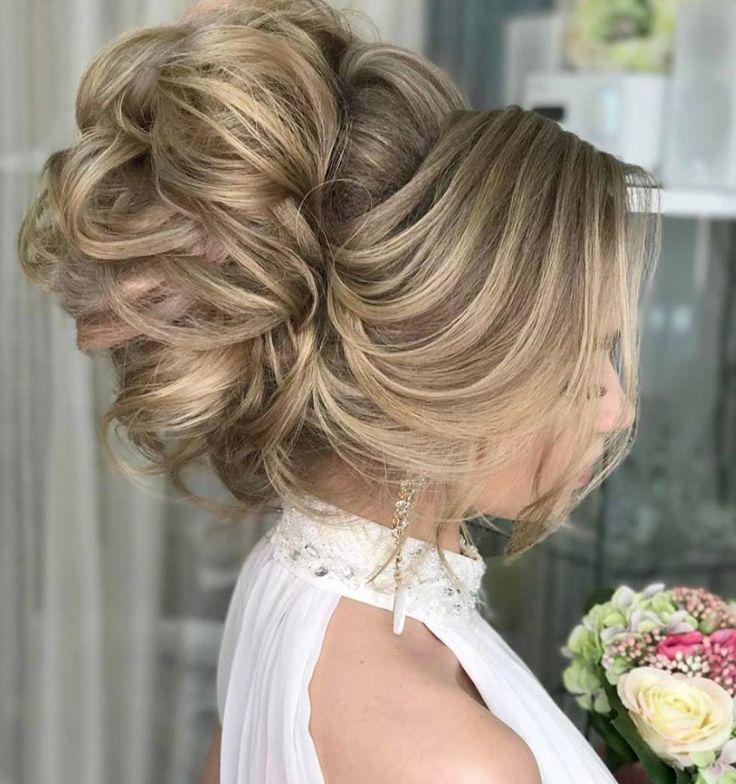 Featured Hairstyle: Websalon Wedding, Anna Komarova; www.websalon.su;