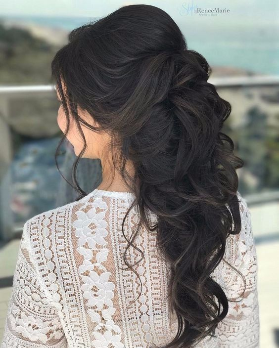 Hey lovely ladies! Here are 4 different styles of half up half down wedding hair...