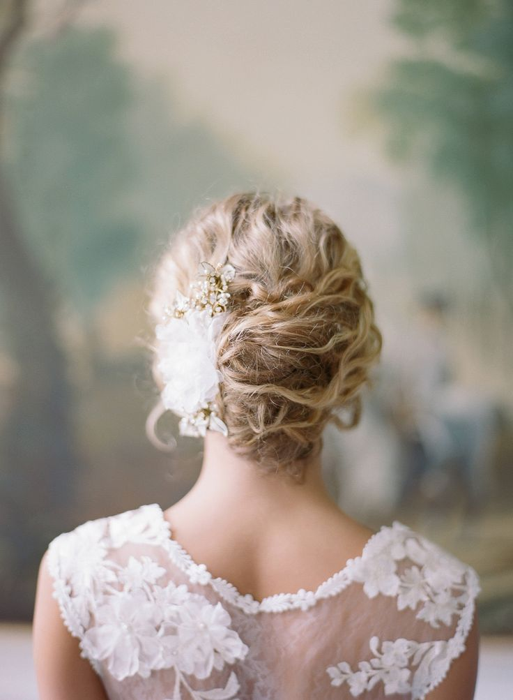 Loose, romantic updo | Photography: Audra Wrisley