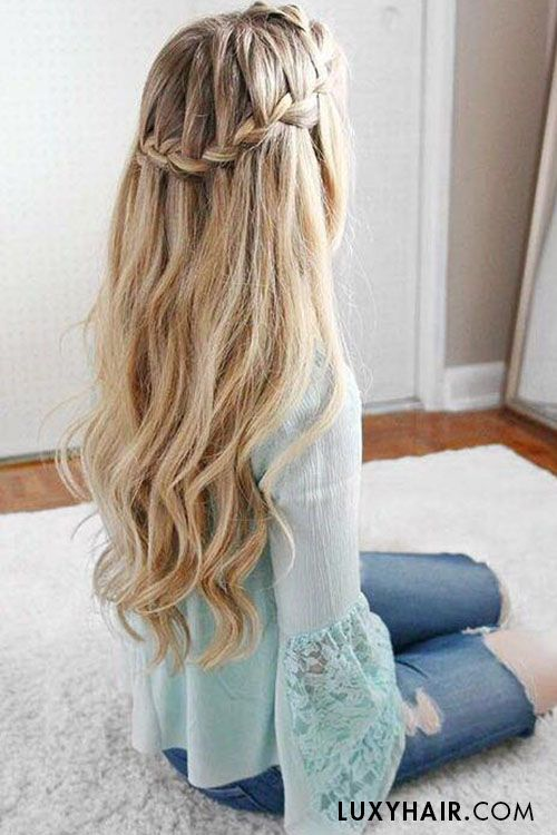 In love with this hairstyle ♥ The lovely Missy (Missy Sue Blog) wears her 220g...