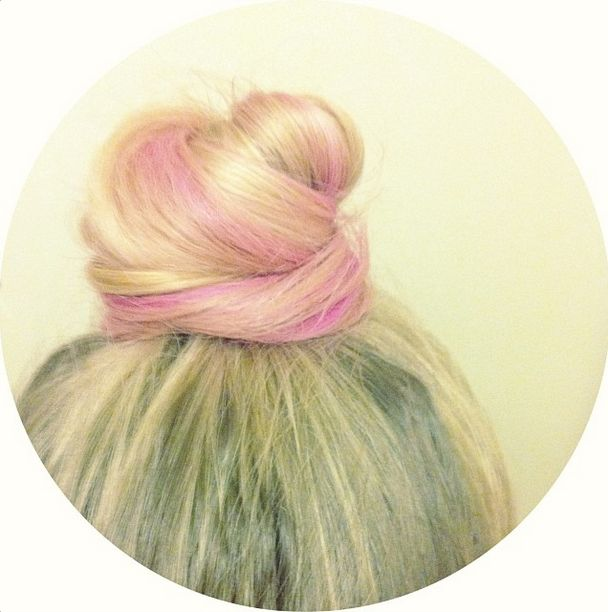A top knot + hairchalk = perfection