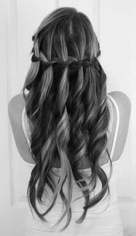 Gorgeous long curls with highlights.