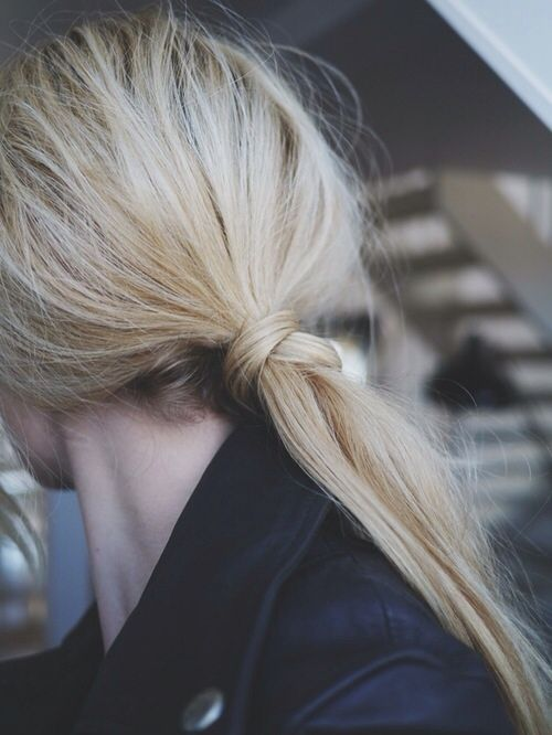 Knotted: easy low pony when on-the-go.