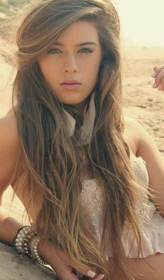 Long wavy hairstyle.