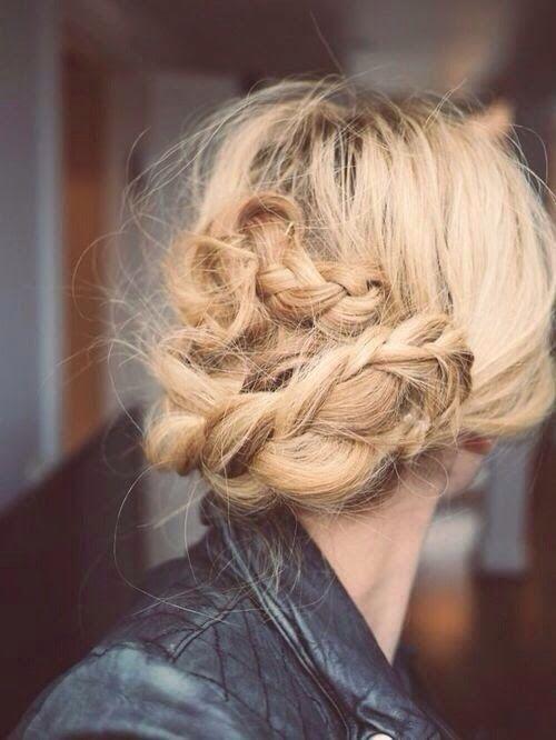 Loving this messy braid undo! // #hair
