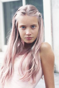 Pastel pink hair. Will we ever be brave enough for this?!