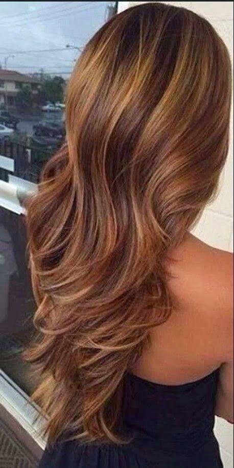 Wavy hair and highlights.