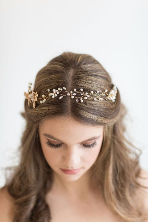 24 Beautiful Bridesmaid Hairstyles For Any Wedding - Simple Hairstyle for Brides...