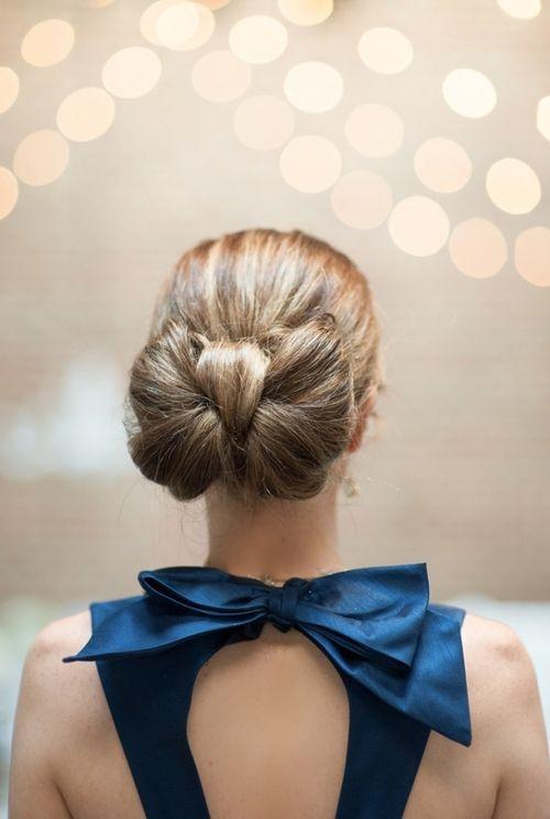 A bow bun!