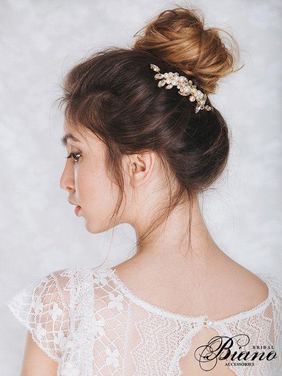 Wedding Comb, Swarovski Comb, Pearl Comb, Bridal Flower Headpiece, Crystal weddi...
