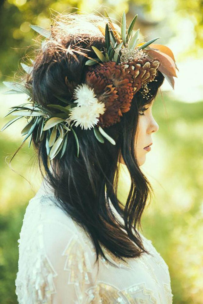 18 Stunning Greenery Wedding Hair Ideas ❤ See more: www.weddingforwar... #wedd...