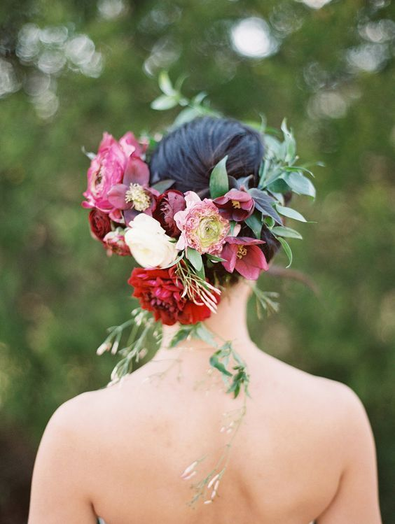 Bridal floral crown by Gro Designs Blog / www.deerpearlflow...