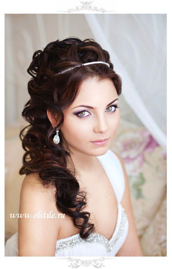 half up hairstyle for wedding with simple headpiece / www.deerpearlflow...