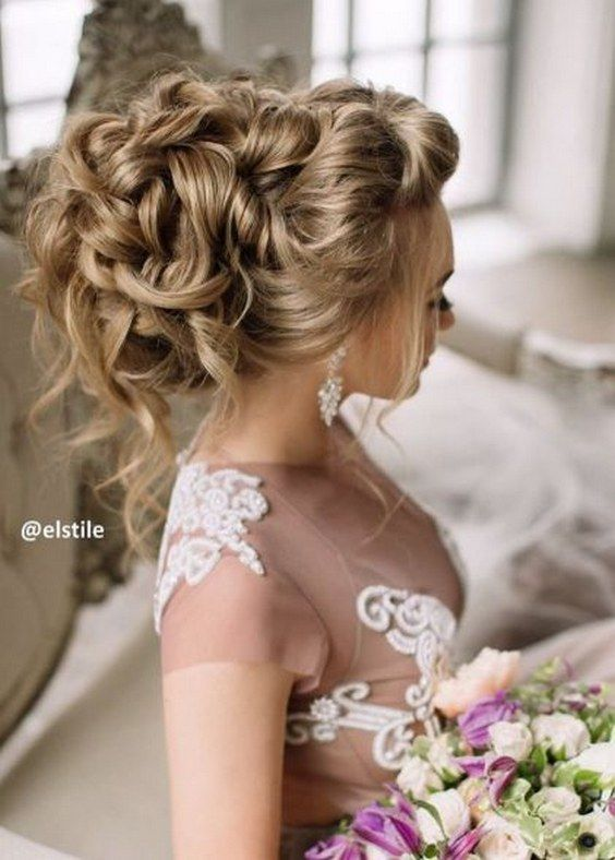 loose curly updo wedding hairstyle via elstile / www.himisspuff.co...
