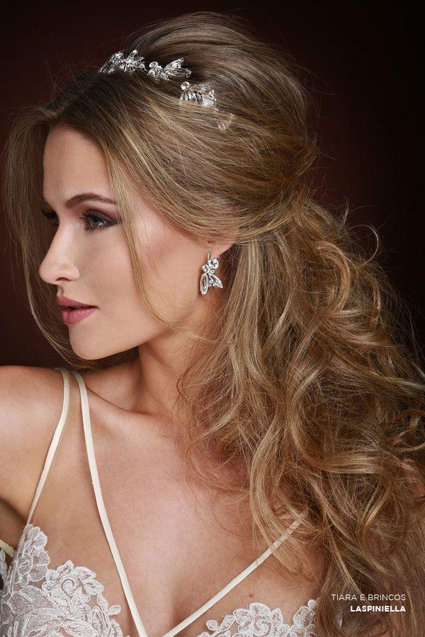 Penteado de noiva - cabelo meio preso com tiara ( Beleza: Jr Mendes | Tiara e Br...