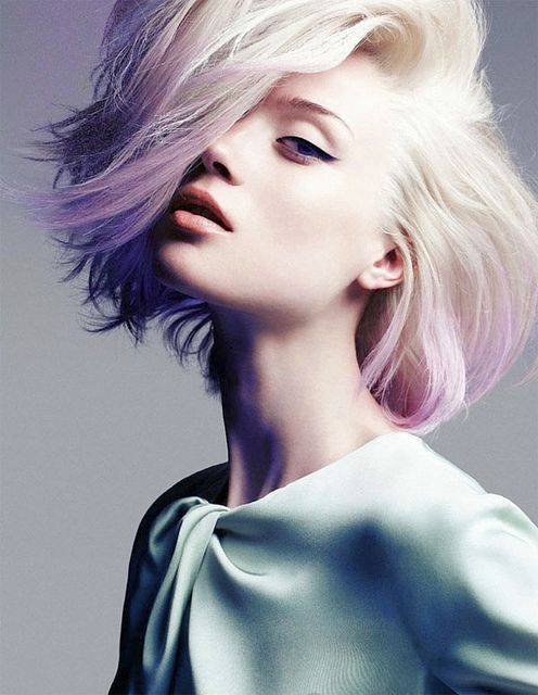 Bleached hair with lavender tips... How chic!