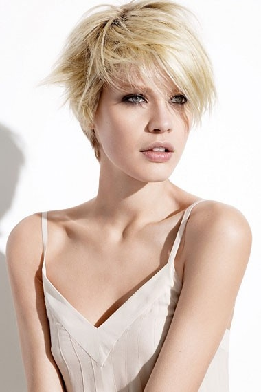 Feminine short hair cut / #shorthair