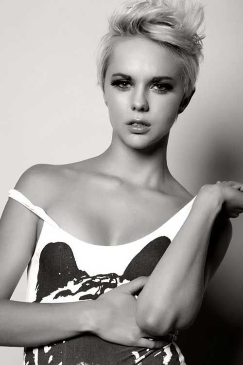 11. Chic Very Short Pixie Haircut for Girls