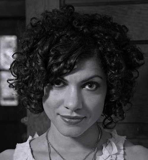 Carrie Rodriguez Short Curly Bob Hairstyle
