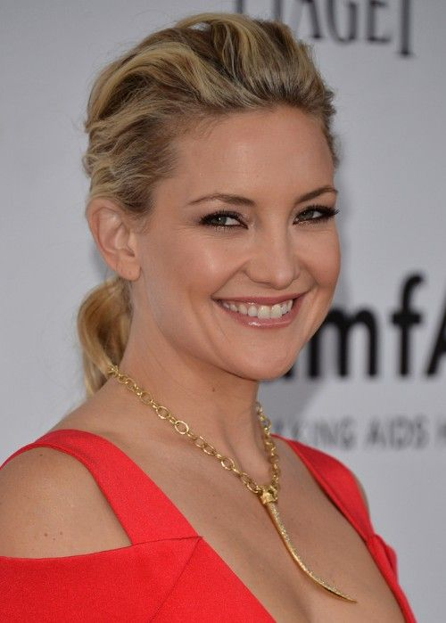 Kate Hudson Long Ponytail Hairstyle for Curly Hair