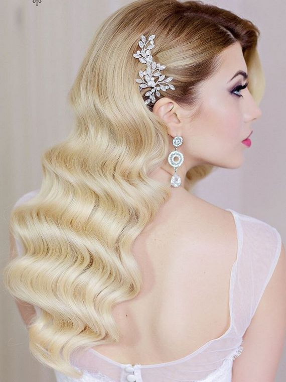 Gallery: Long wedding hairstyles and wedding updos from Websalon Weddings - Deer...