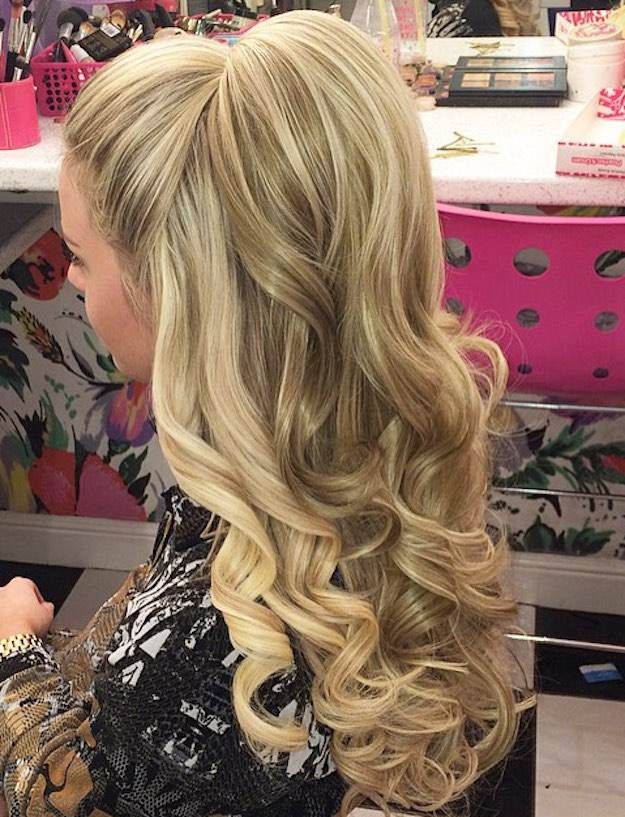Half-Up Bump   12 Curly Homecoming Hairstyles You Can Show Off