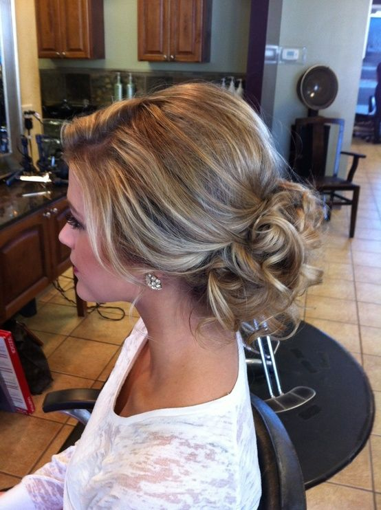 Loose updo, pretty! we ♥ this! davidtuteraformon...