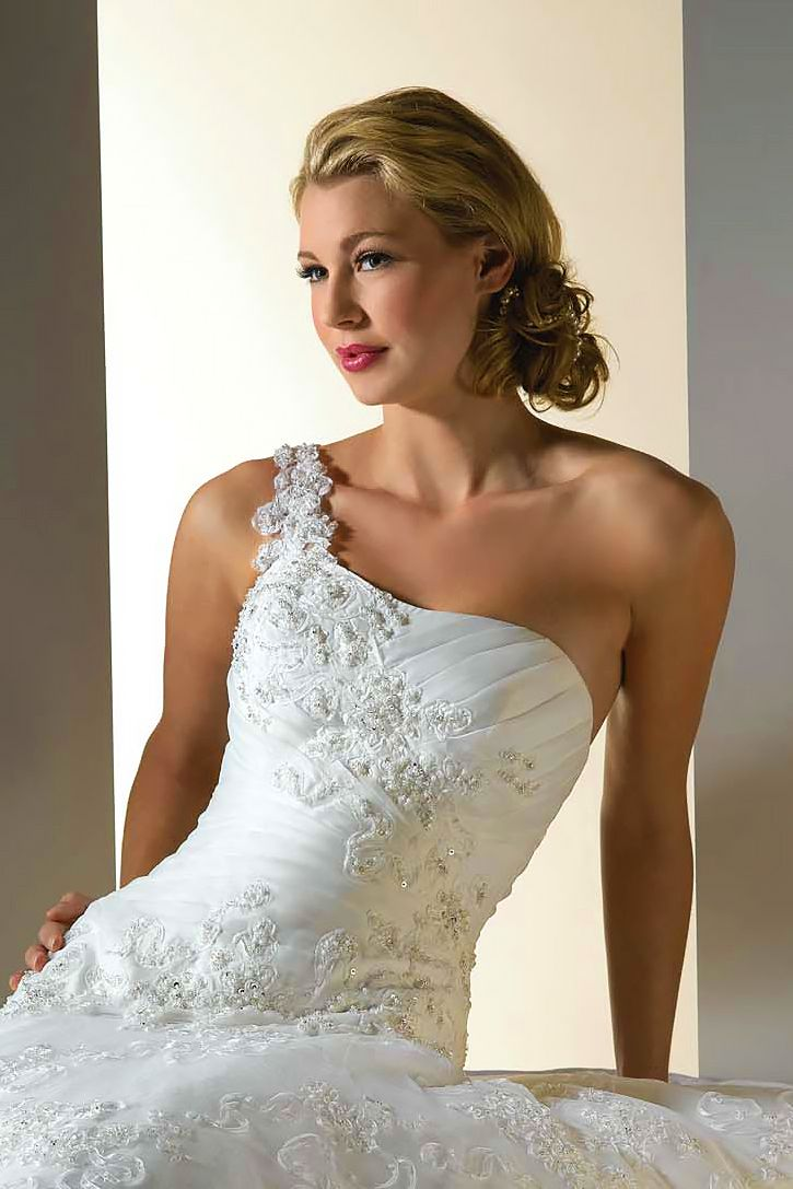 12 Perfect Combinations Of Wedding Hairstyles And Bridal Dresses ❤ See more: w...