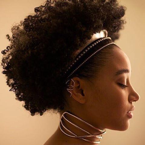 So unapologetically Black! So Beautiful! And so Woke! She's Amandla Stenberg...
