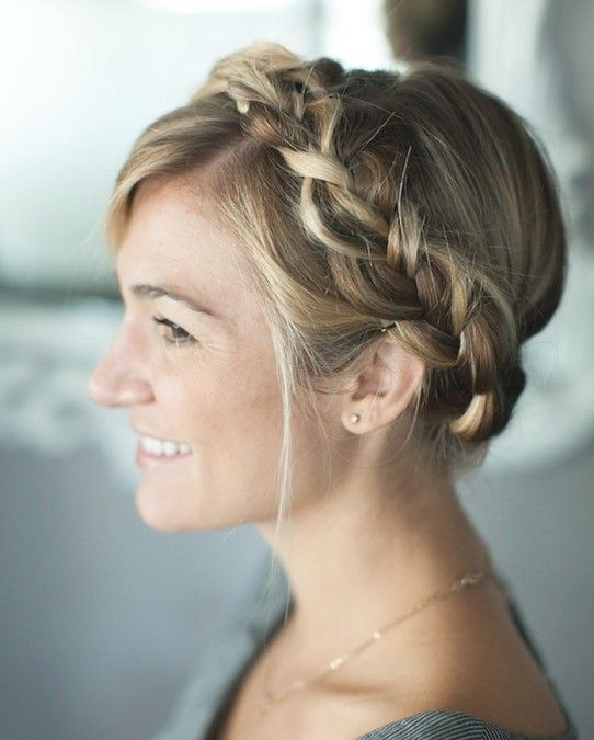 Simple Braided Crown Hairstyle Tutorial: Cute and Easy Hairstyles for Holidays