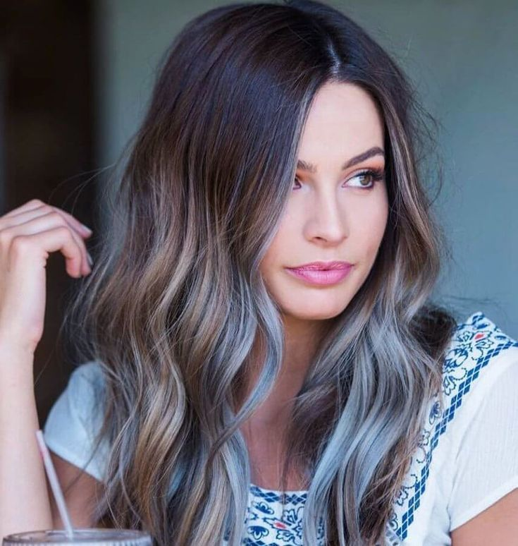 Carefree days are here again - perfect for loose bohemian waves! #wavyhair #hair...