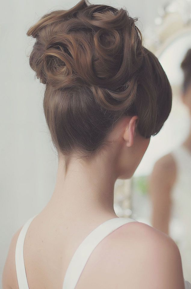 gorgeous updo wedding hairstyle; via Websalon