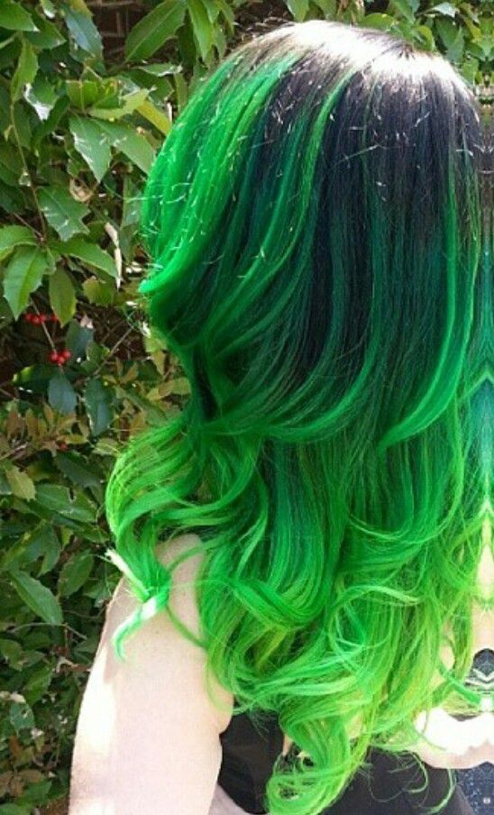 Usually i dont like green hair because it fades into that ugly green, but this i...