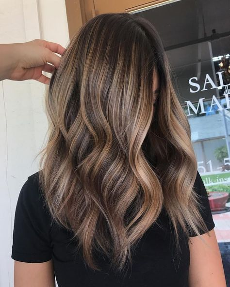 Trendy-Hair-Color-Highlights-golden-brown-hair-perfection