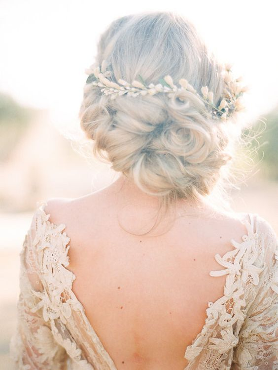 Wedding updo hairstyle - Deer Pearl Flowers / www.deerpearlflow...
