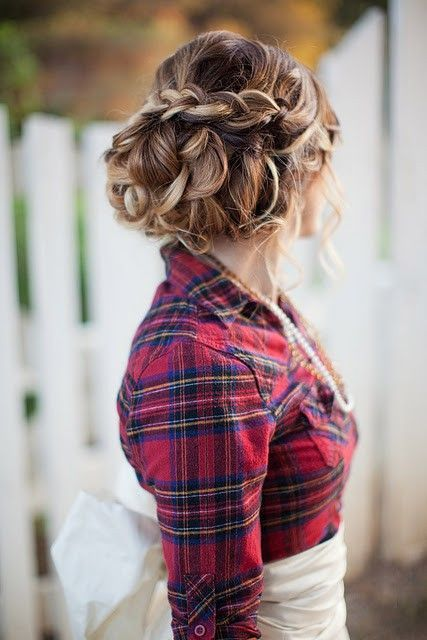 country briaided wedding updo - Deer Pearl Flowers / www.deerpearlflow...