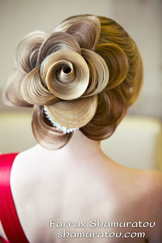 flower wedding hair updo - Deer Pearl Flowers / www.deerpearlflow...