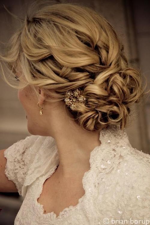 wedding updo hairstyles - Deer Pearl Flowers / www.deerpearlflow...