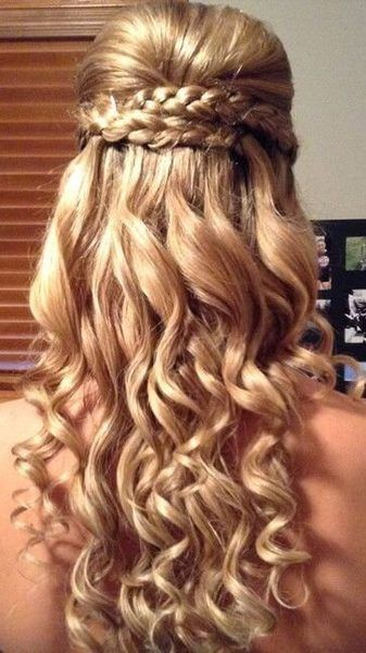 Double braids and long waves can be a perfect prom combination for this importan...